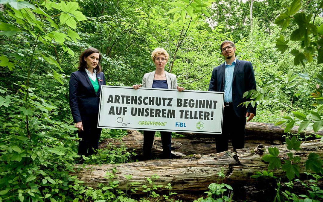 MUTTER ERDE und Greenpeace: Österreichs Lebensmittelkonsum bedroht Tiere wie Sumatra-Tiger und Orang-Utan